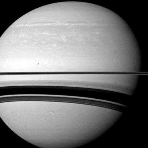 Hasta la llegada de la sonda Cassini a Saturno en 2004, la humanidad nunca había visto el planeta de cerca. / AP