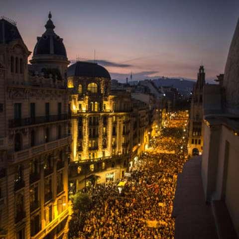 Los líderes separatistas de Cataluña han prometido declarar esta semana la independencia de la región nororiental después del polémico referendo del domingo. / AP