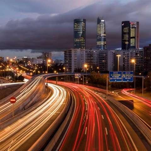 Vista de un nudo de carreteras al norte de Madrid. EFE