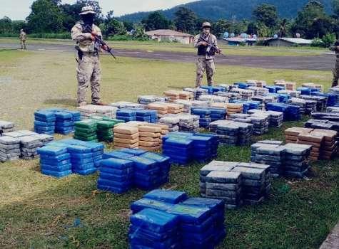 Dos costarricenses y un nicaragüense fueron aprehendidos durante el operativo.