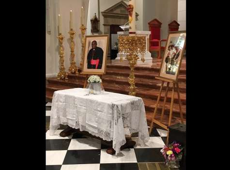 Las exequias cenizas fueron entregadas a los sacerdotes de la Diócesis de Penonomé.