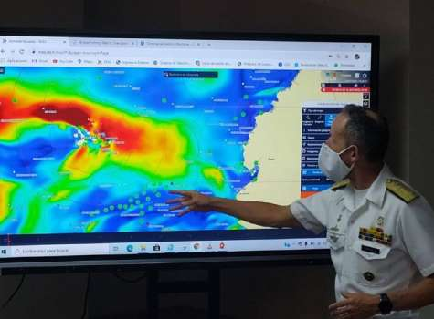 Ecuador alerta a Panamá sobre flota pesquera china