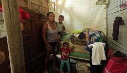 Una familia colombo-venezolana que vive en el corregimiento de Bayunca, Departamento de Bolívar (Colombia).  /  Foto: EFE
