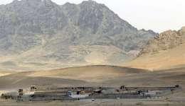 Vista general de la base militar afgana después de ser atacada por los talibanes, en donde murieron al menos diez soldados y doce insurgentes, en Kandahar (Afganistán), hoy 23 de mayo de 2018. EFE