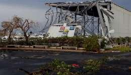 Vista de los daños causados por el huracán María hoy, jueves 21 de septiembre de 2017, a su paso por San Juan (Puerto Rico). EFE