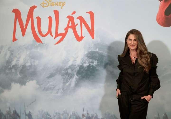 """Estreno de """"Mulan"""" se aplaza de nuevo tras el repunte de coronavirus en EE.UU."""