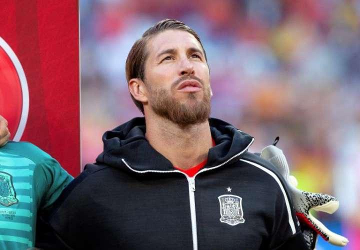 Sergio Ramos, homenajeado por su récord mundial de victorias