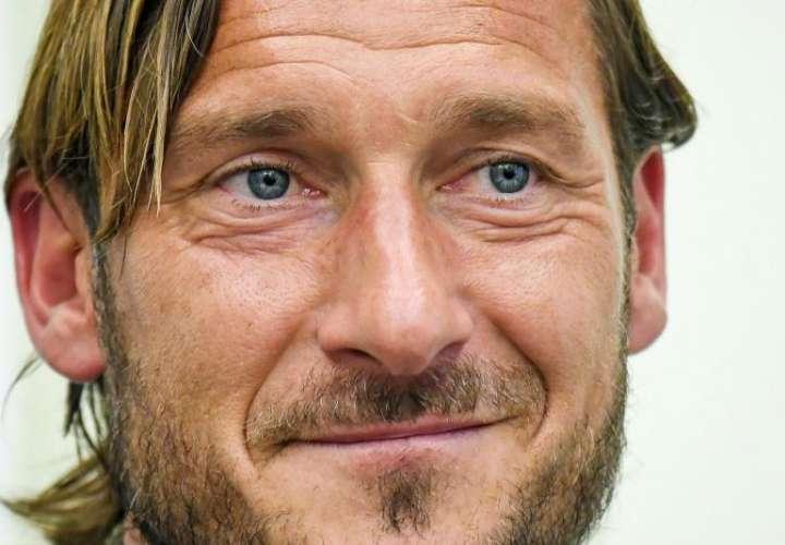 """Totti deja a """"su"""" Roma y arremete contra los dueños del club"""