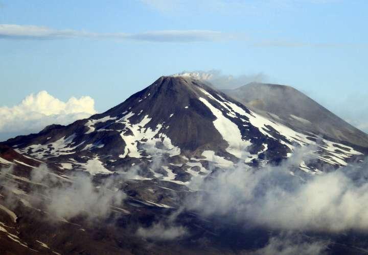 El complejo volcánico Chillán en Chile registra una nueva explosión