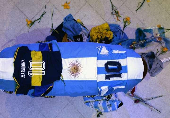 Féretro de Diego Maradona. / EFE