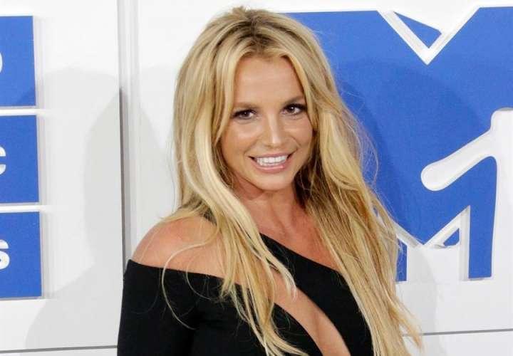 Britney Spears se opone en los tribunales a que su padre sea su único tutor