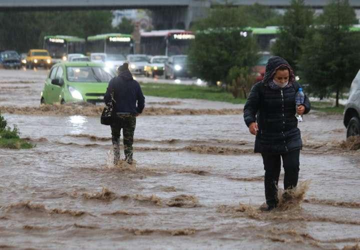 La tormenta tropical Cristina se aleja de las costas mexicanas
