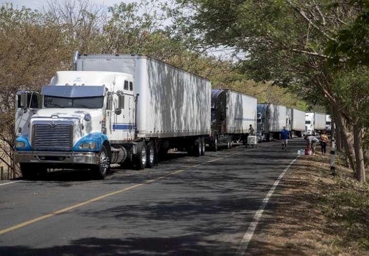Costa Rica prohíbe a camiones panameños cargar producto como medida recíproca