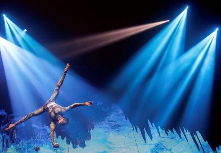 """Un momento del pase gráfico del espectáculo """"Apocalipsis"""", creado y dirigido por Suso Silva, Premio Nacional de Circo 2003, en el que se fusiona el rock, la ópera, el teatro musical y el show circense que estrena hoy el Circo de los Horrores. EFE"""