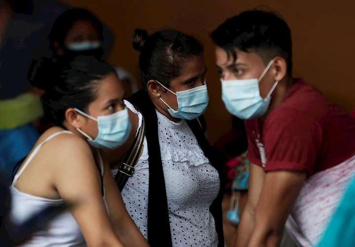 Covid-19: 13 nuevas defunciones y 1,272 casos nuevos en Panamá
