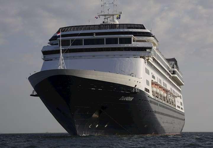 Permitirán paso de crucero Zaandam por el Canal de Panamá