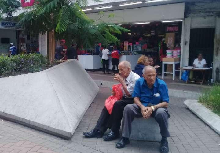 Olvido, la otra cara del adulto mayor en Panamá