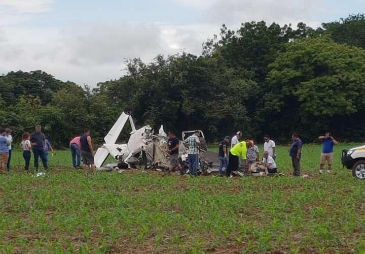 Trasladan a la capital en condición crítica a sobreviviente de accidente aéreo