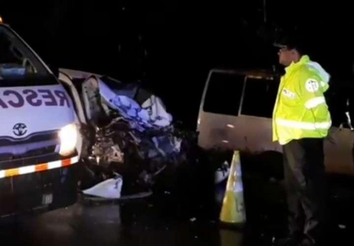Identifican a víctimas de accidente entre bus y auto en San Andrés
