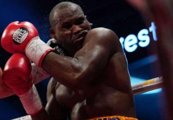 Adonis Stevenson en acción durante su última pelea. Foto: AP