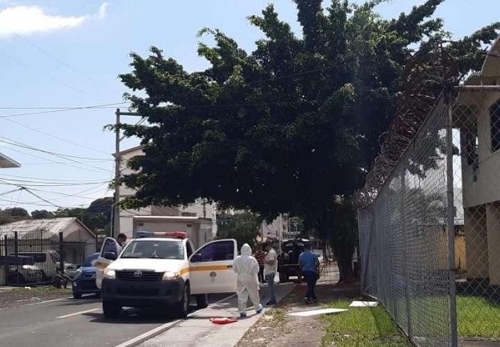 Autoridades investigan el caso ocurrido en Parque Lefevre. foto: Edwards Santos