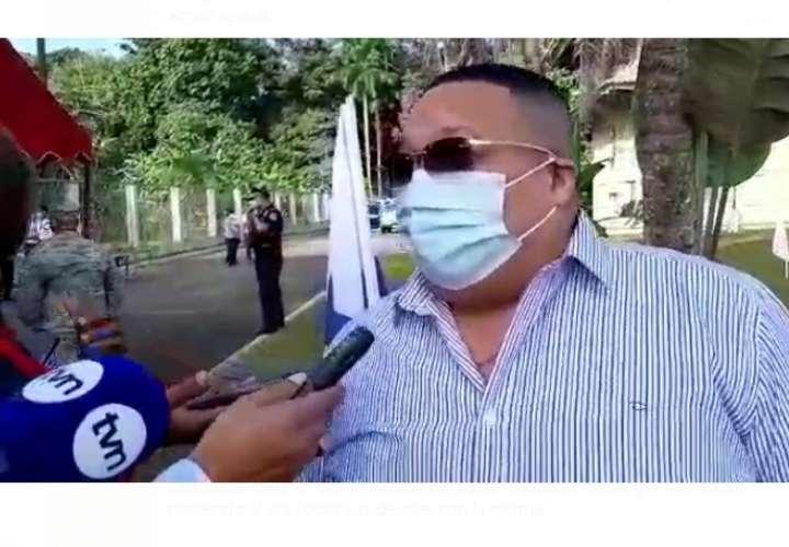 Alcalde de Colón recula en cambio de horario de toque de queda