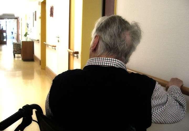 El estudio ha aplicado una nueva técnica de resonancia magnética desarrollada en el Hospital Sant Pau que permite medir el movimiento del agua en el cerebro. Foto: Pixabay Ilustrativa