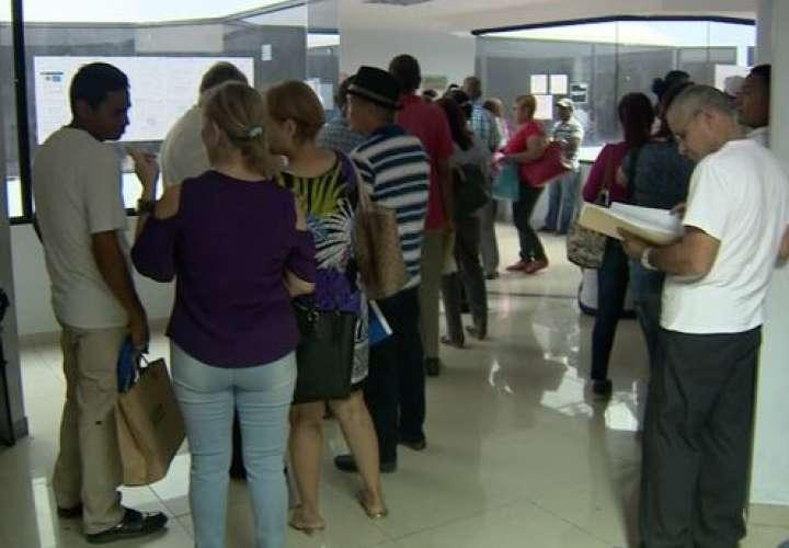 Suspenden parcialmente decreto de retención de impuesto