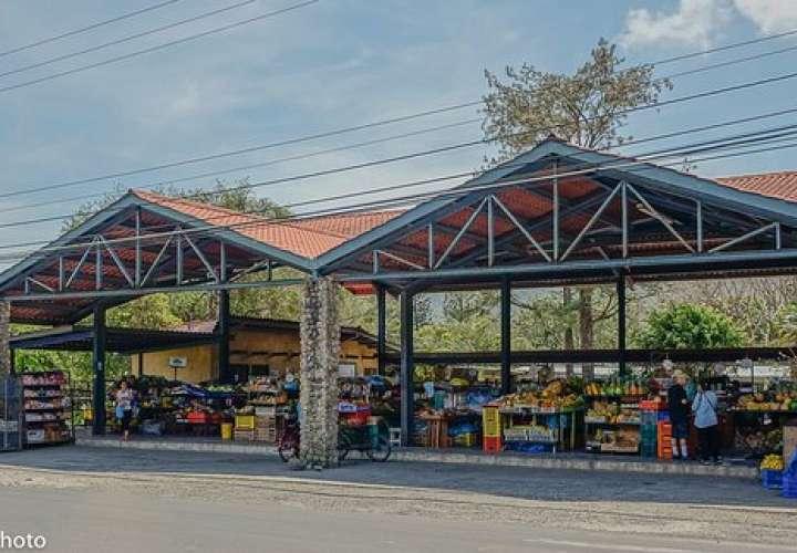 Covid-19 afecta ventas en mercados de Antón