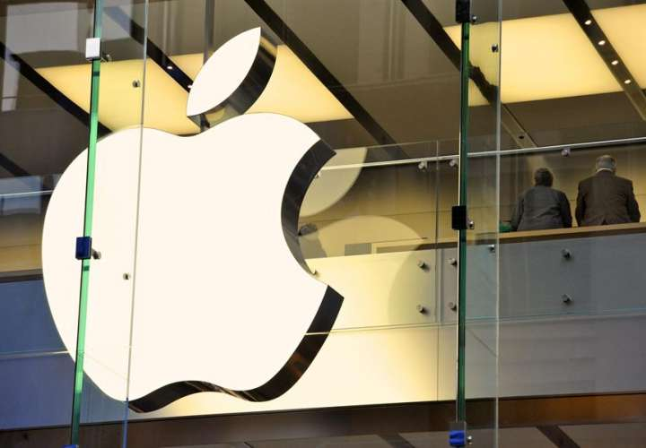 Logotipo de Apple en una tienda en Sídney (Australia). EFE