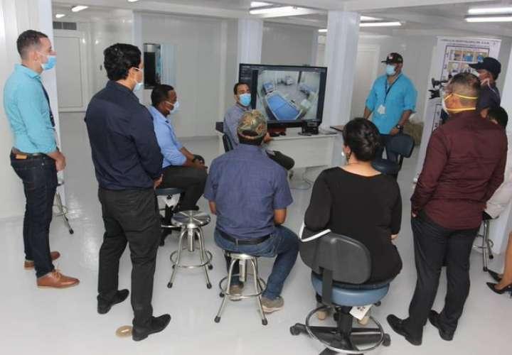 Ingenieros y arquitectos realizan recorrido en Hospital Panamá Solidario