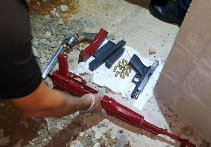 Un detenido y tres armas ilegales incautadas en Juan Díaz [Video]
