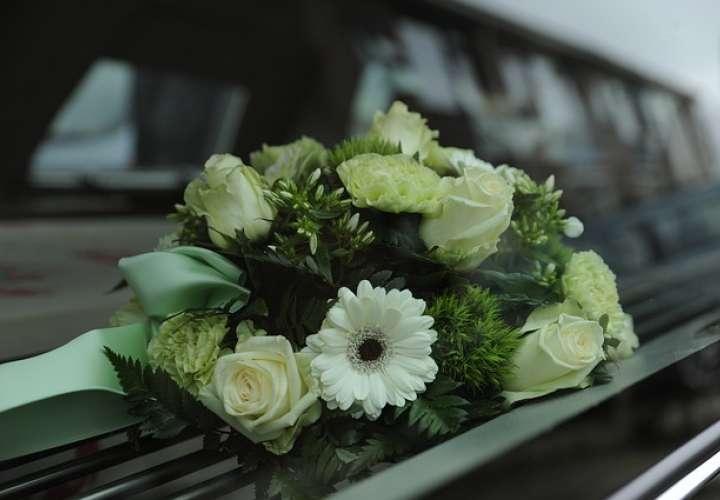 Denuncia: Funeraria de EE.UU. entrega cuerpo de niña descompuesto
