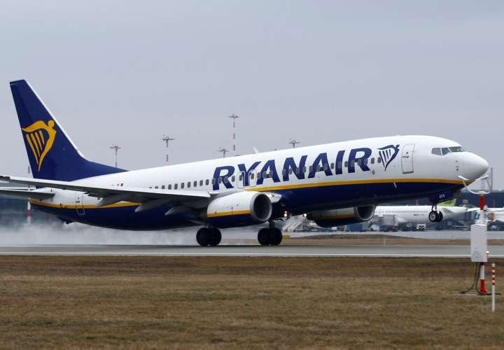¡Qué susto! Lo bajan de un avión lleno de pasajeros por dar positivo al Covid19