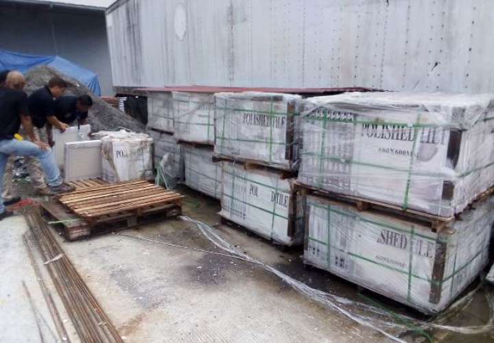 Aduanas retiene baldosas, cigarrillos y detergentes en Chiriquí