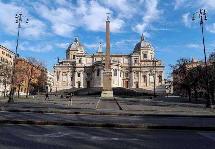 Los muertos en Italia se acercan ya a los 3.000, al subir 475 en un día