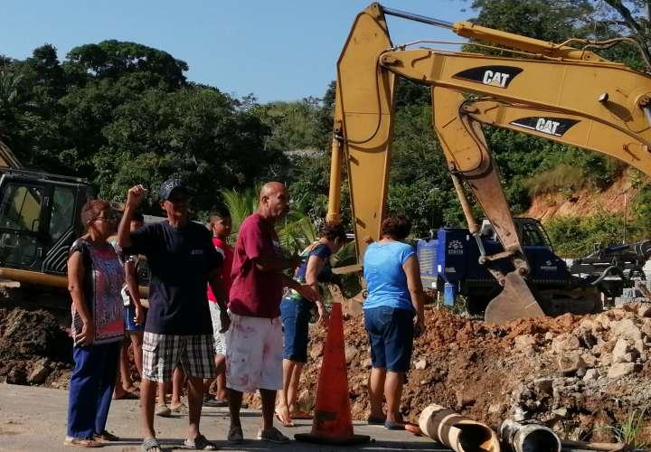 Presión de la comunidad obligó al Idaan a reparar rotura de tubería