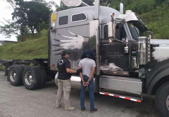 Detienen a trabajadores portuarios por contaminación de contenedores con droga