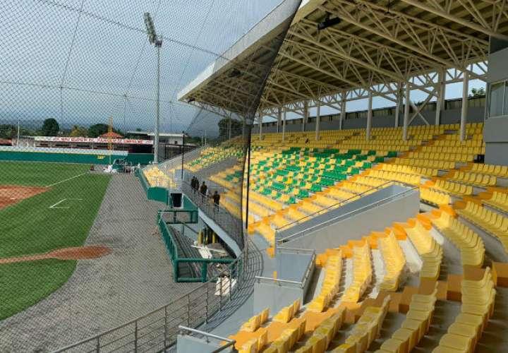 Estadio Calvin Byron. /Foto: Mayra Madrid