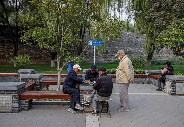 """China alcanza los 55 días sin contagios locales, aunque suma 15 """"importados"""""""