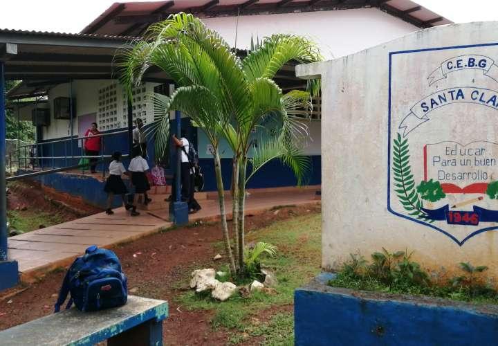 La falta de agua potable afecta desde hace un mes a la escuela y pobladores de Santa Clara. Foto: Eric Montenegro