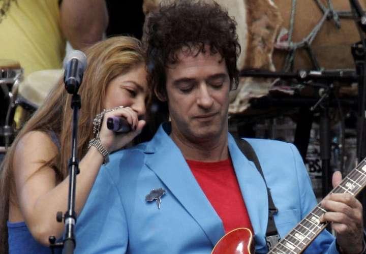 Medios afirman que Shakira tuvo un romance prohibido con Gustavo Cerati