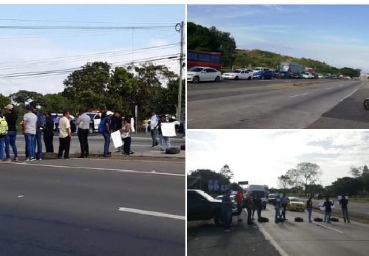 Funcionarios municipales de Penonomé cierran vía por atraso en pago salarial