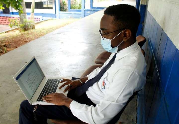Gremios docentes plantean que se continúe con educación virtual todo el 2021