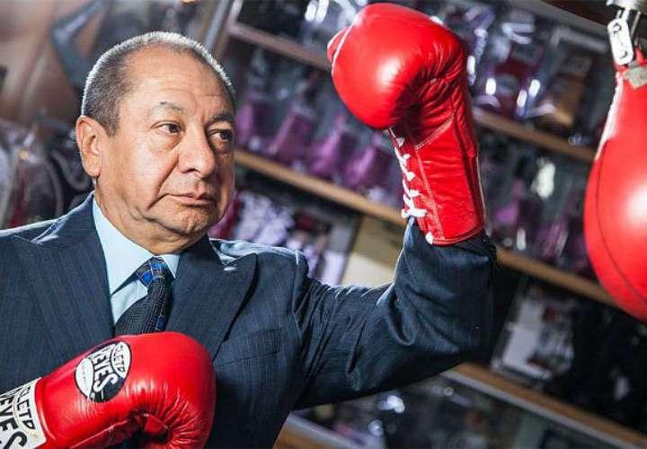 Alberto Reyes, propietario de los guantes Cleto Reyes.
