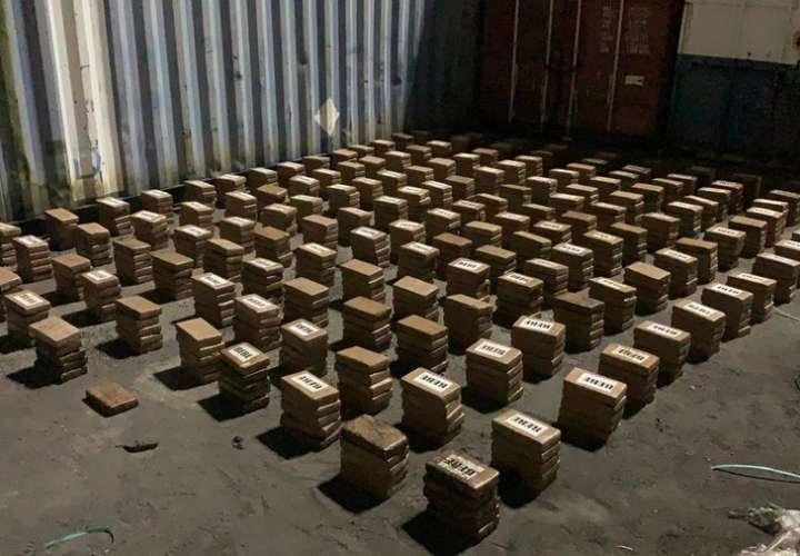 Ubican 776 paquetes de droga en un contenedor en Colón