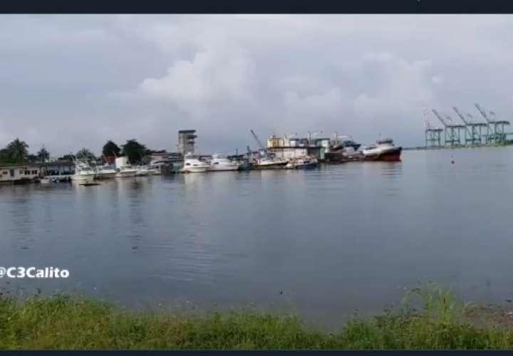 """Cinco jóvenes que navegaban en la embarcación """"Los Albertos"""" debían retornar en la mañana."""