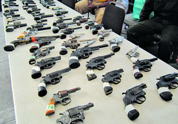 "Gobernadora de Panamá propone programa ""Armas por Oportunidades"""