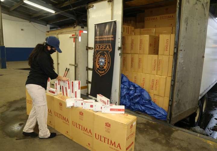 Retienen contenedor repleto de cigarrillos de contrabando