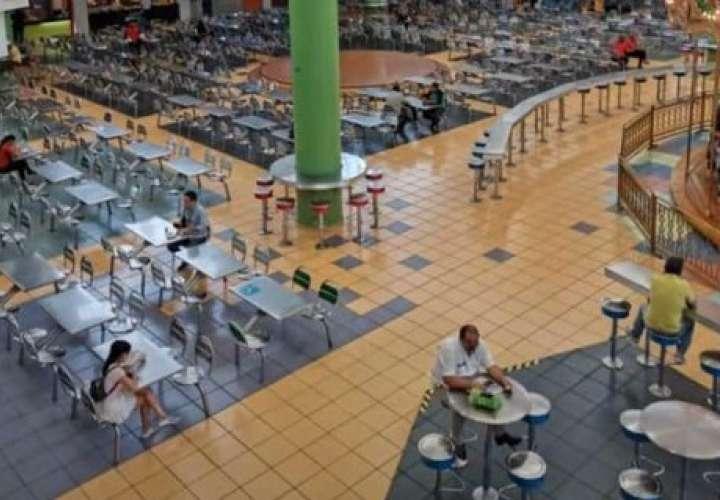 Centros comerciales cambia horario ante baja afluencia por coronavirus